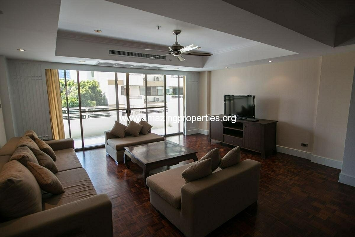 3 bedroom Apartment Phirom Garden