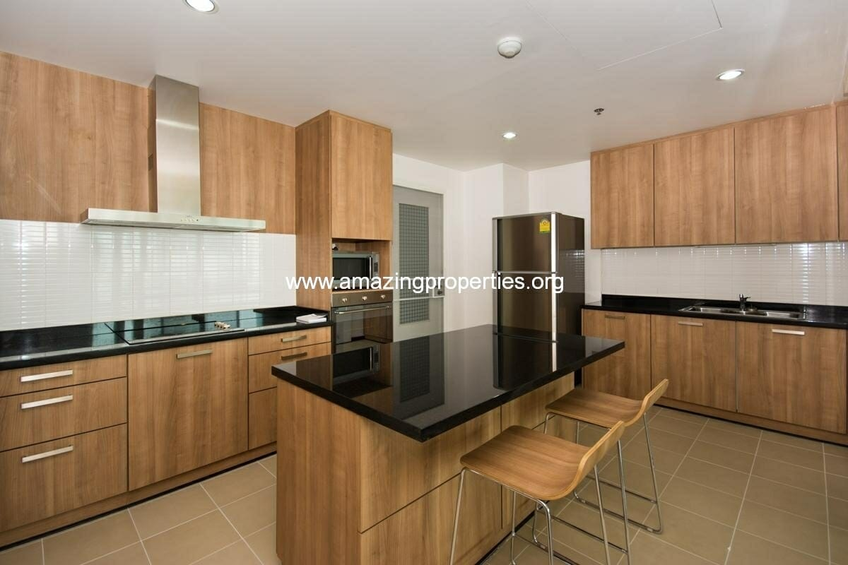 3-bedroom-apartment-in-31-residence-3