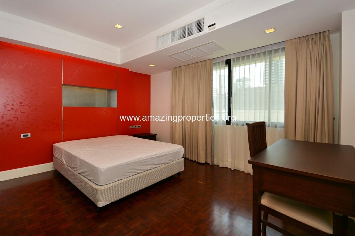 4 bedroom Apartment Phirom Garden