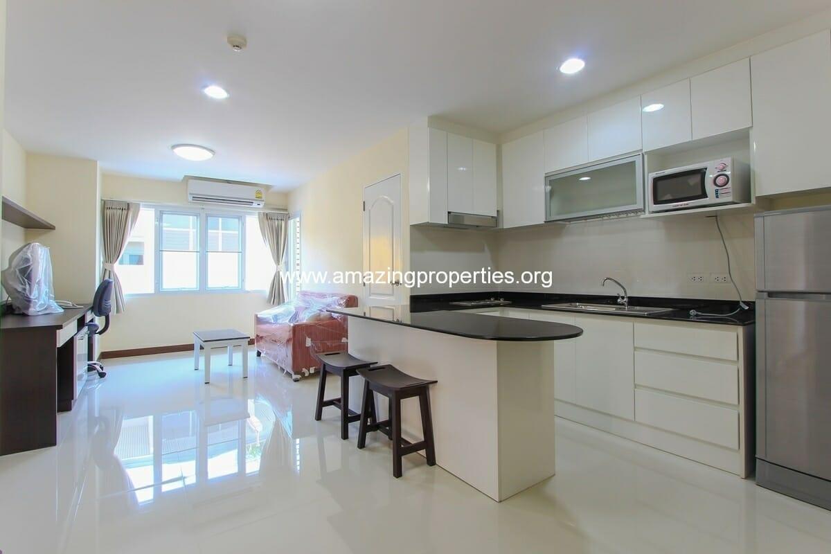 charming-resident-2-bedroom-apartment-ekkamai-for-rent-1