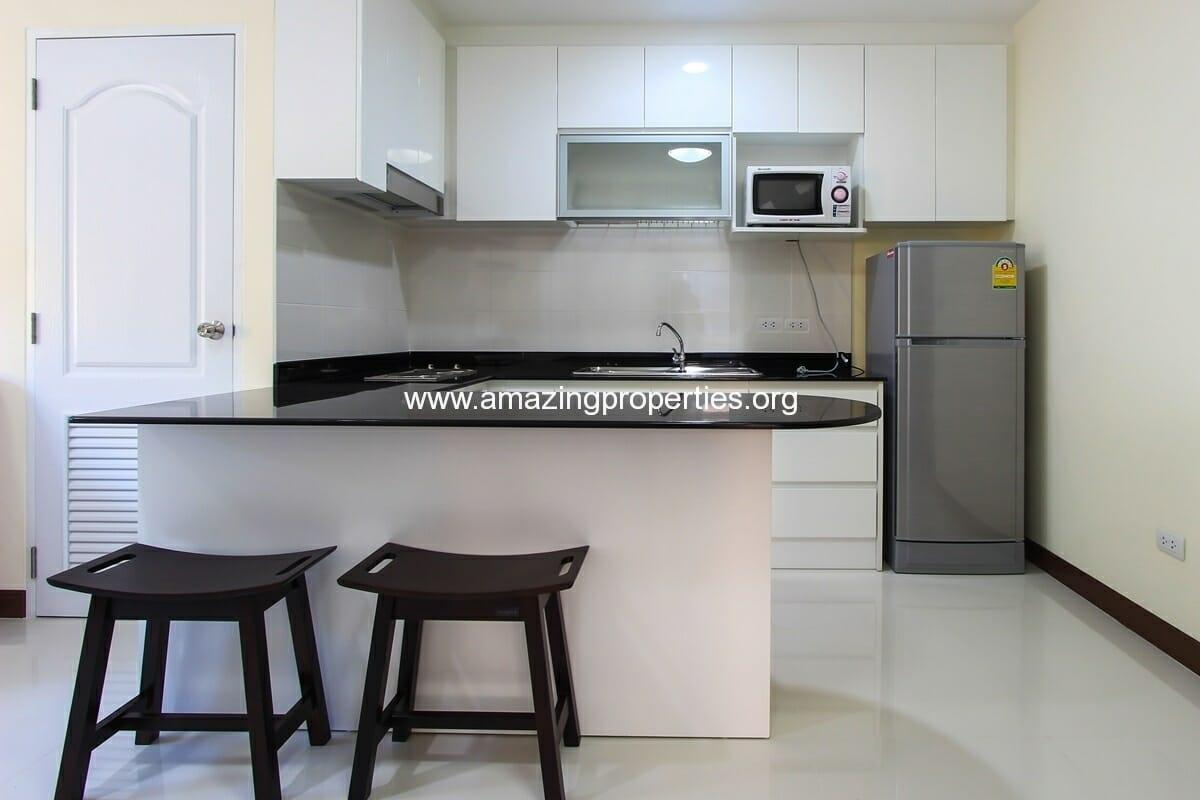 charming-resident-2-bedroom-apartment-ekkamai-for-rent-3