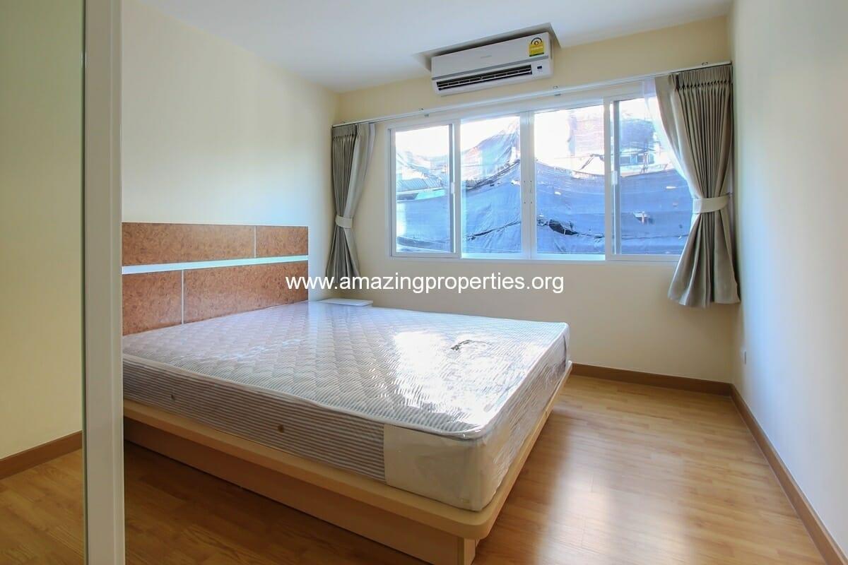 charming-resident-2-bedroom-apartment-ekkamai-for-rent-7