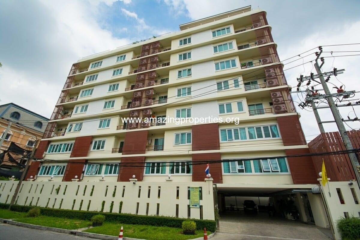 Charming Resident Ekkamai Apartments for Rent Bangkok