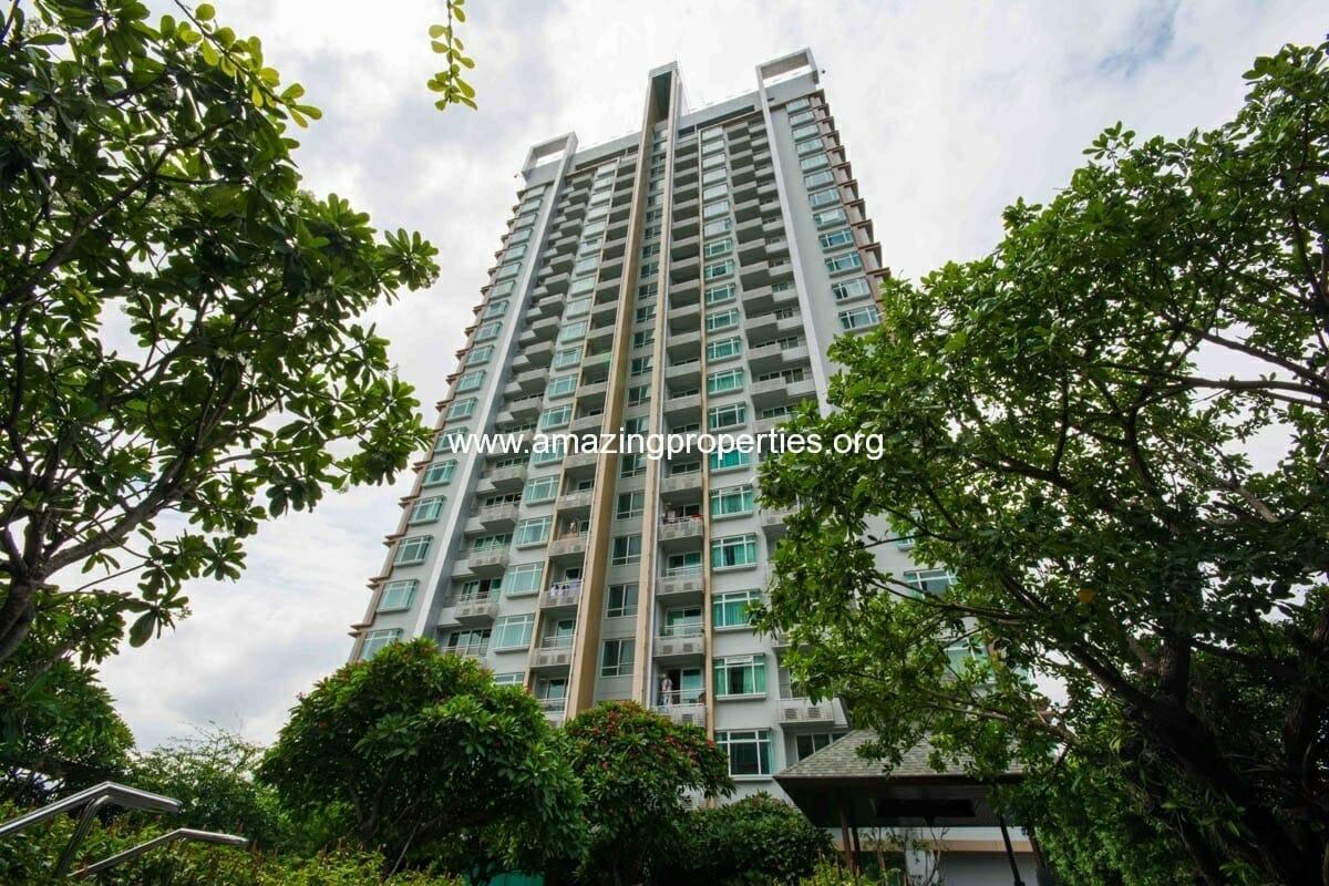 Circle condominium Petchaburi road Bangkok