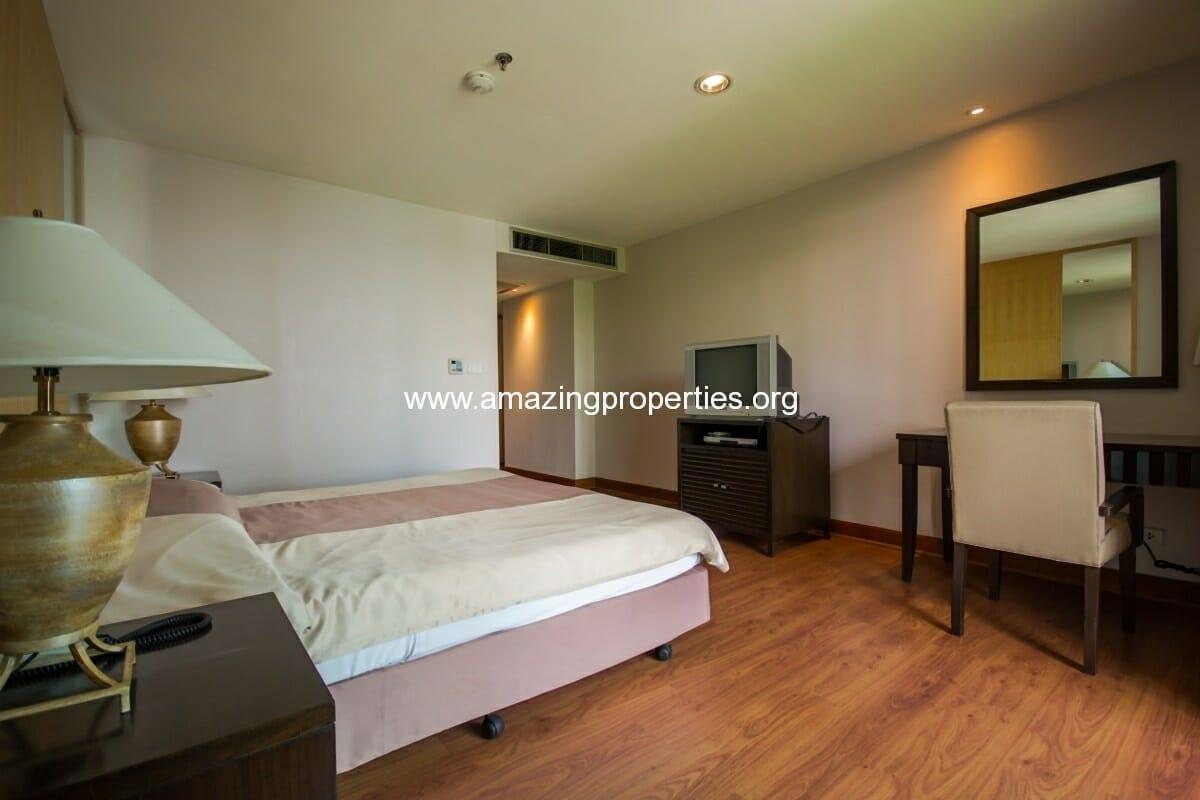 GardenGrove Suites 2 Bedroom Apartment Asoke-10