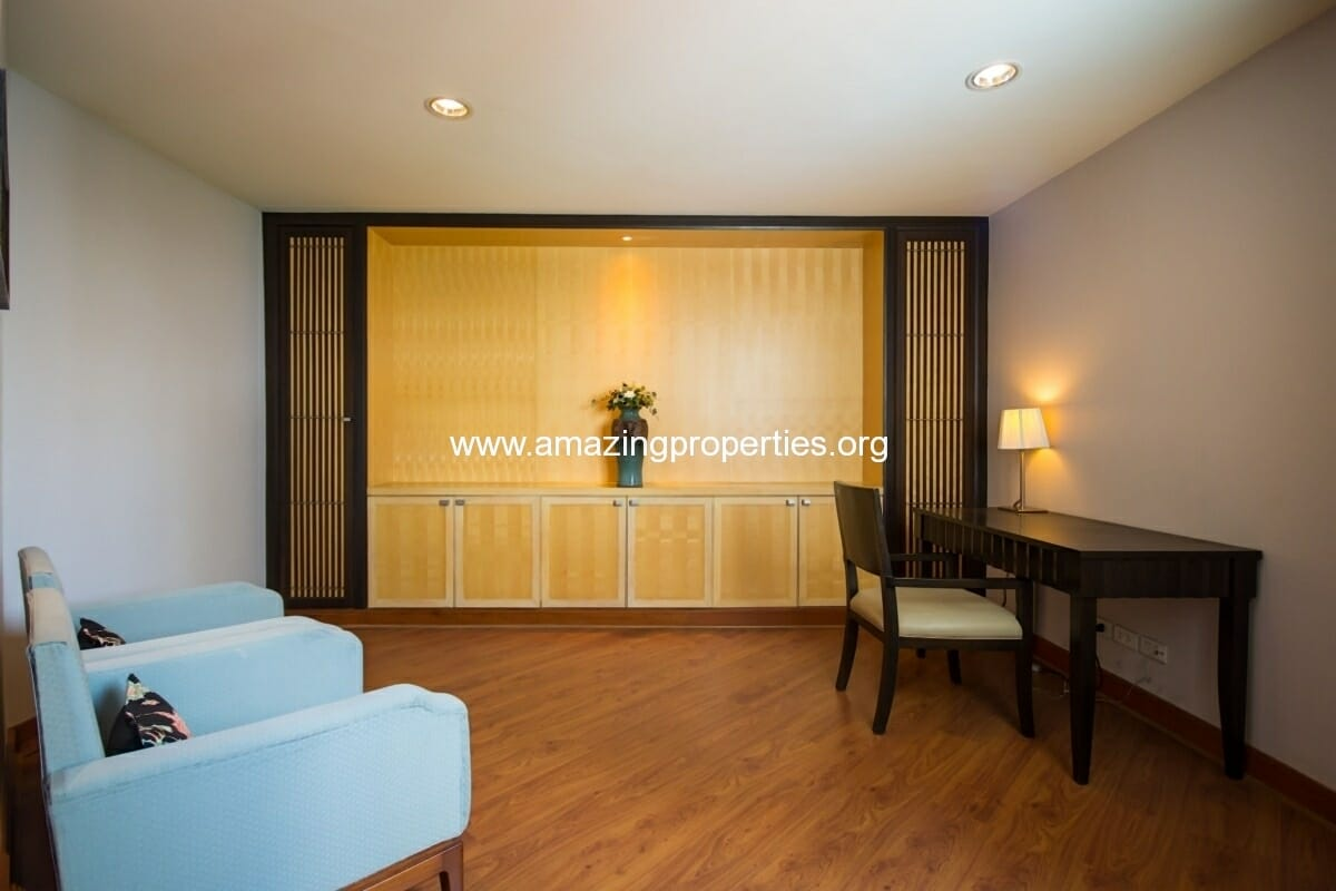GardenGrove Suites 2 Bedroom Apartment Asoke-4