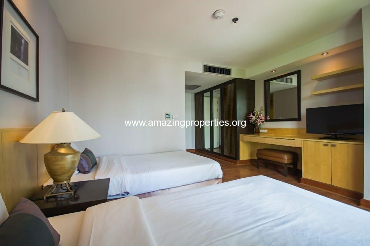 GardenGrove Suites 2 Bedroom Apartment Asoke-7