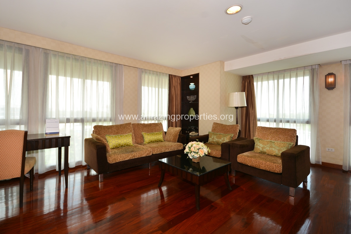 GardenGrove Suites 3 Bedroom Apartment Asoke-2