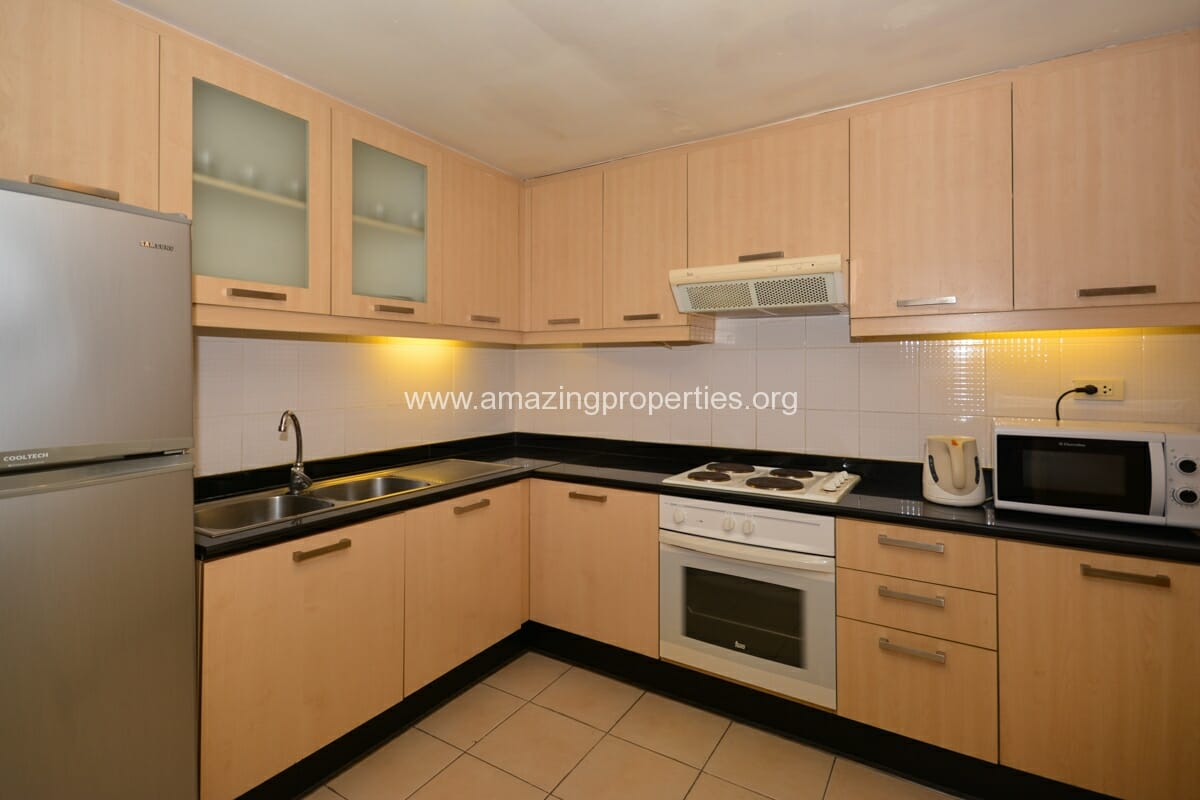 GardenGrove Suites 3 Bedroom Apartment Asoke-3