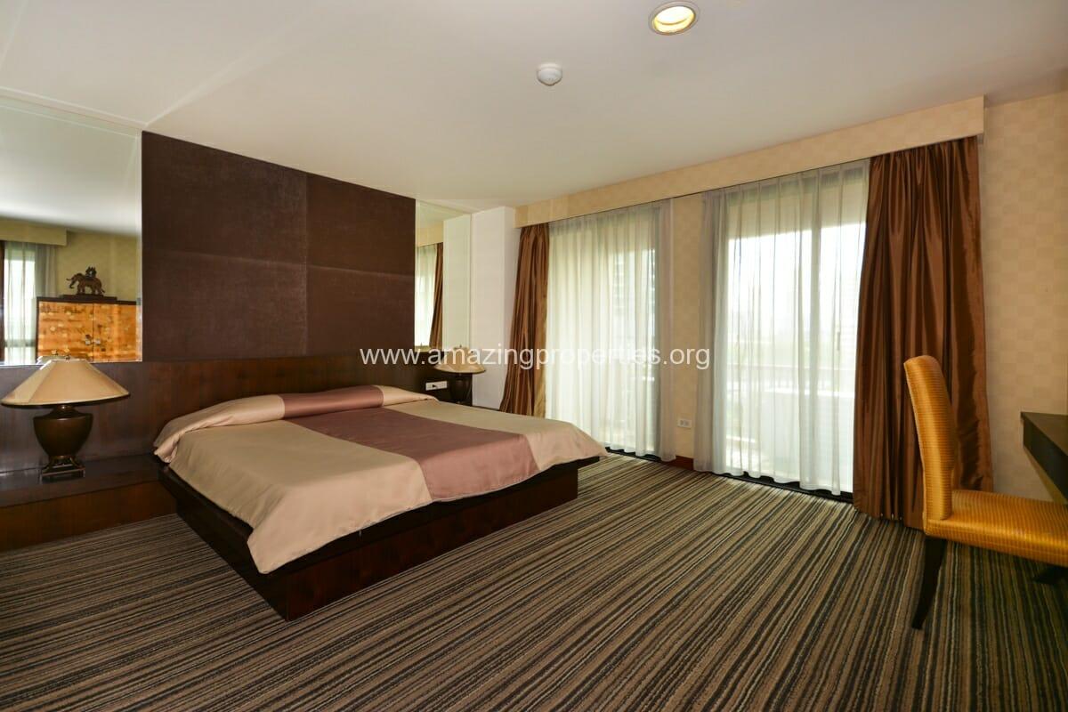 GardenGrove Suites 3 Bedroom Apartment Asoke-4