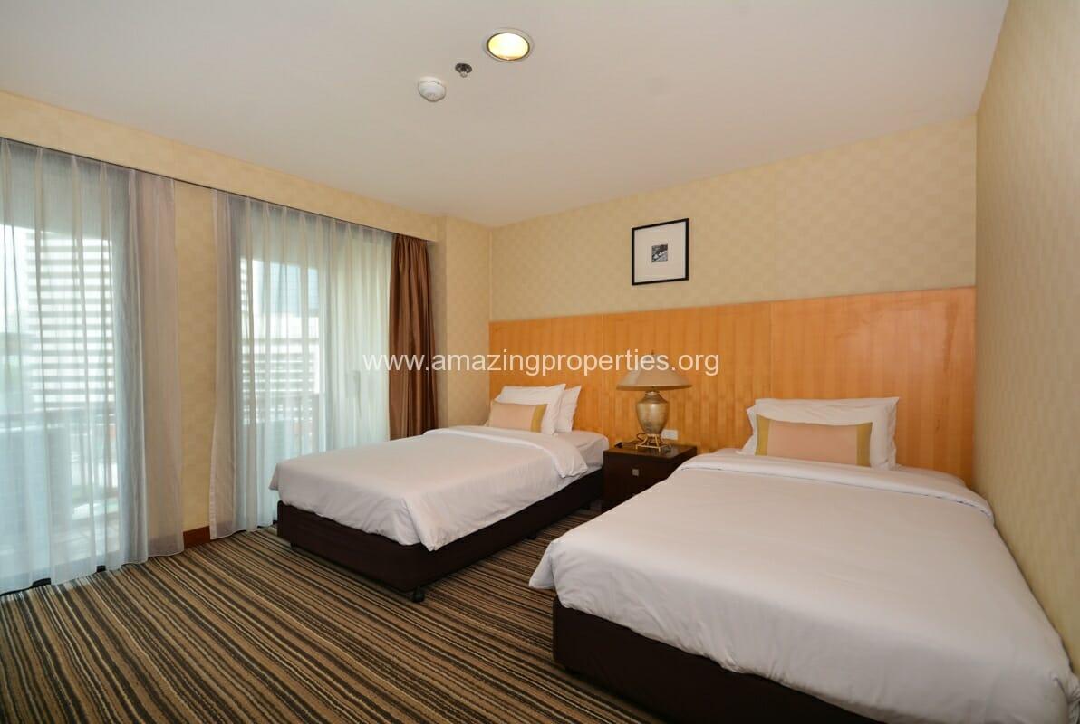 GardenGrove Suites 3 Bedroom Apartment Asoke-8