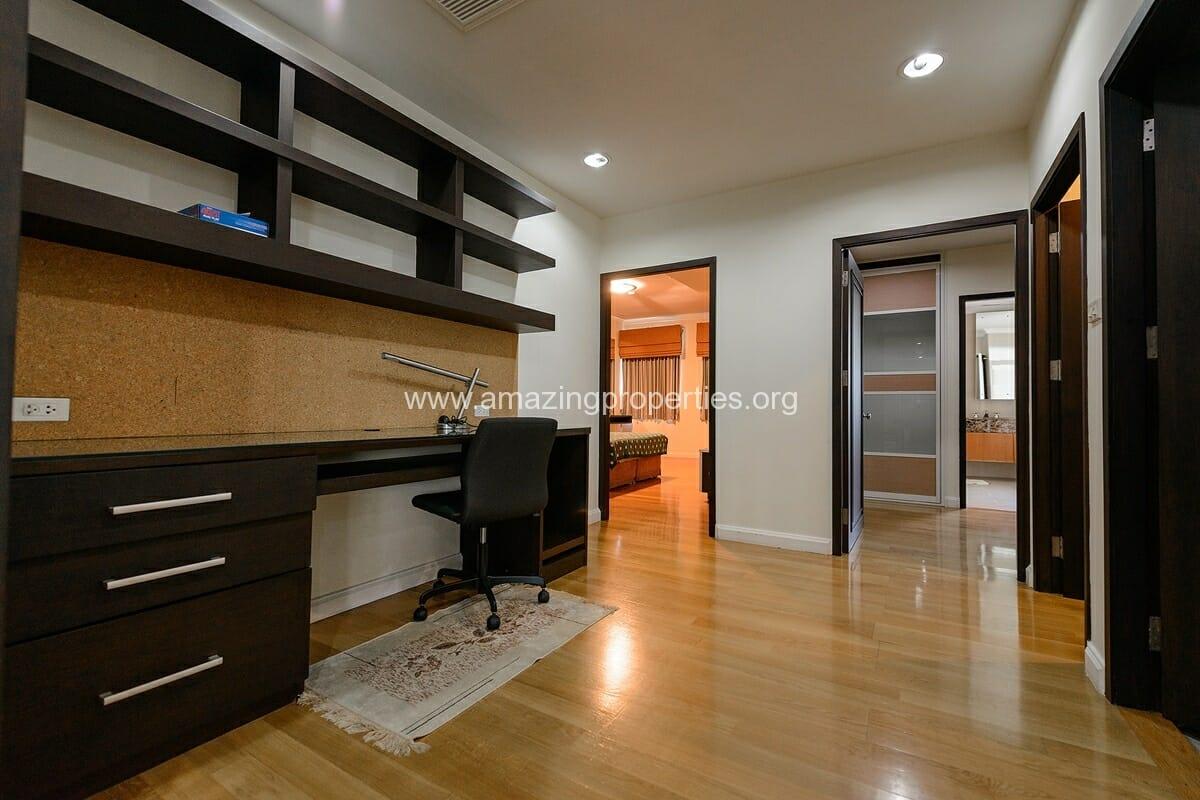 The cadogan 3 Bedroom condo-5