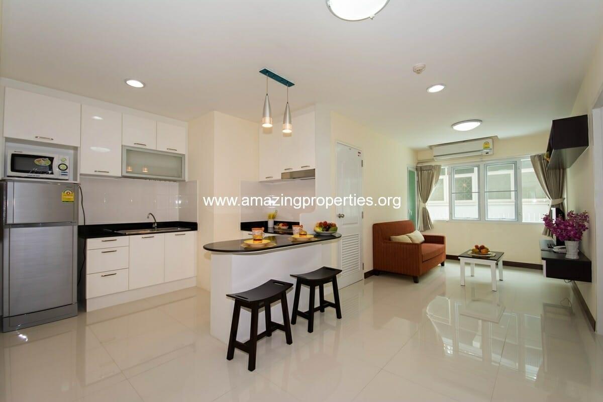 charming-resident-2-bedroom-apartment-ekkamai-3