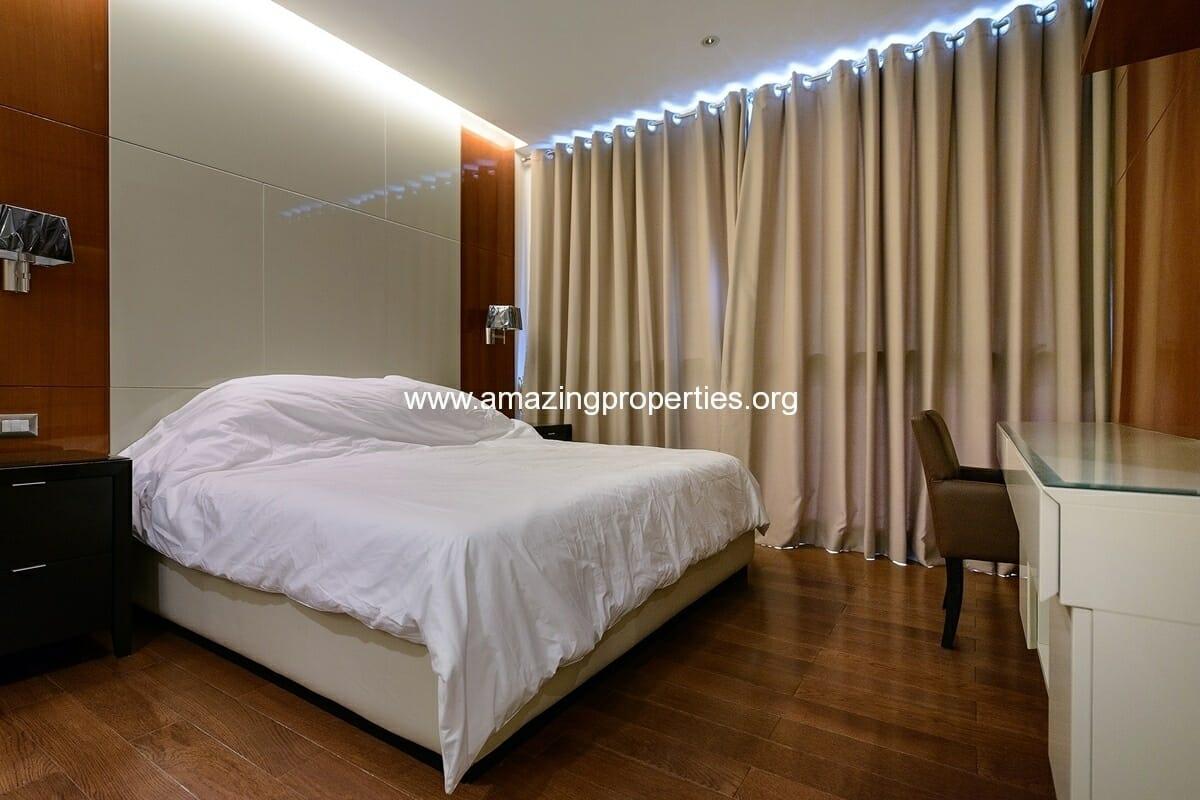 bedroom condo in the address sukhumvit 28 amazing properties