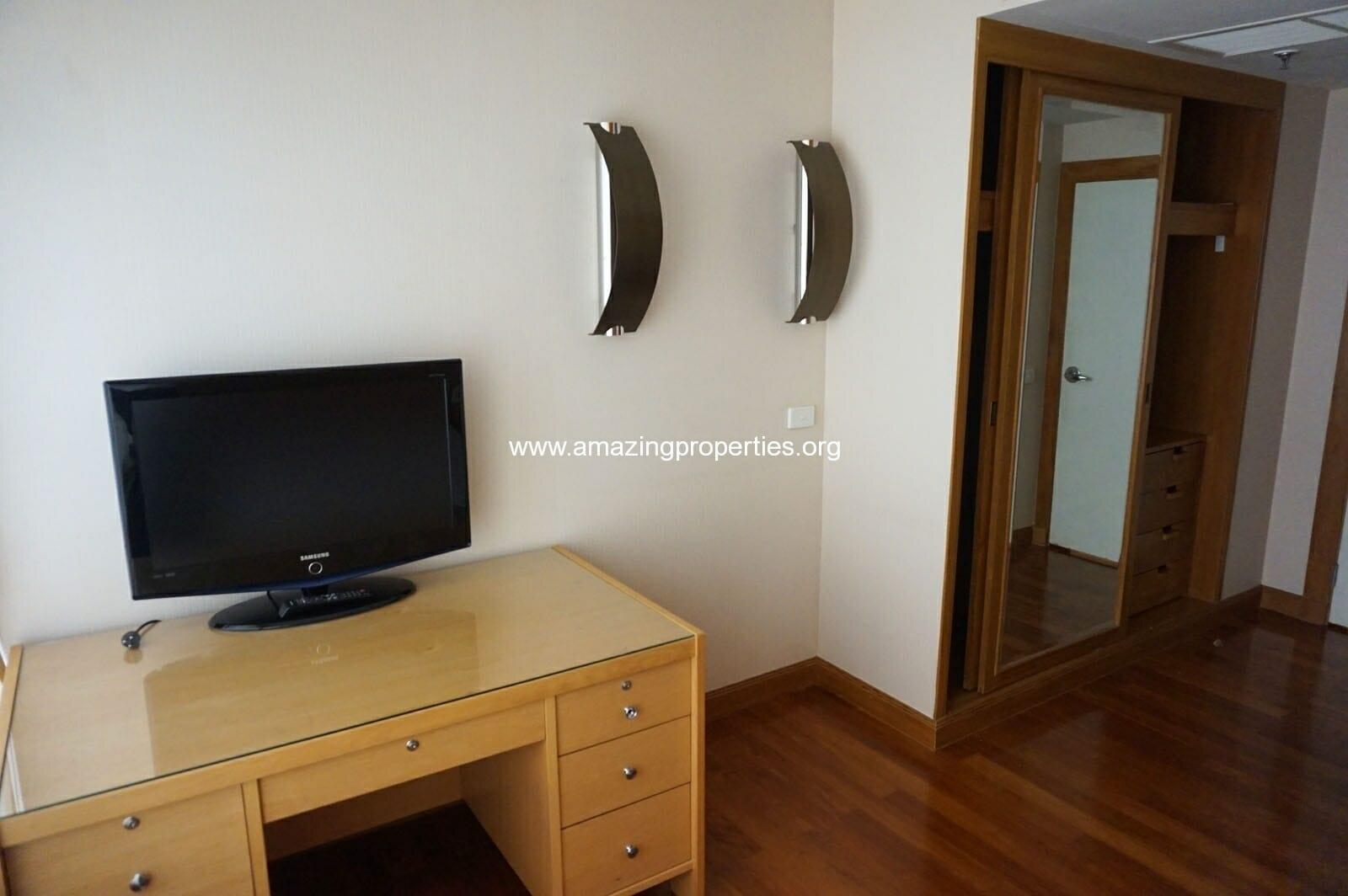 2 bedroom condo Langsuan Ville-13