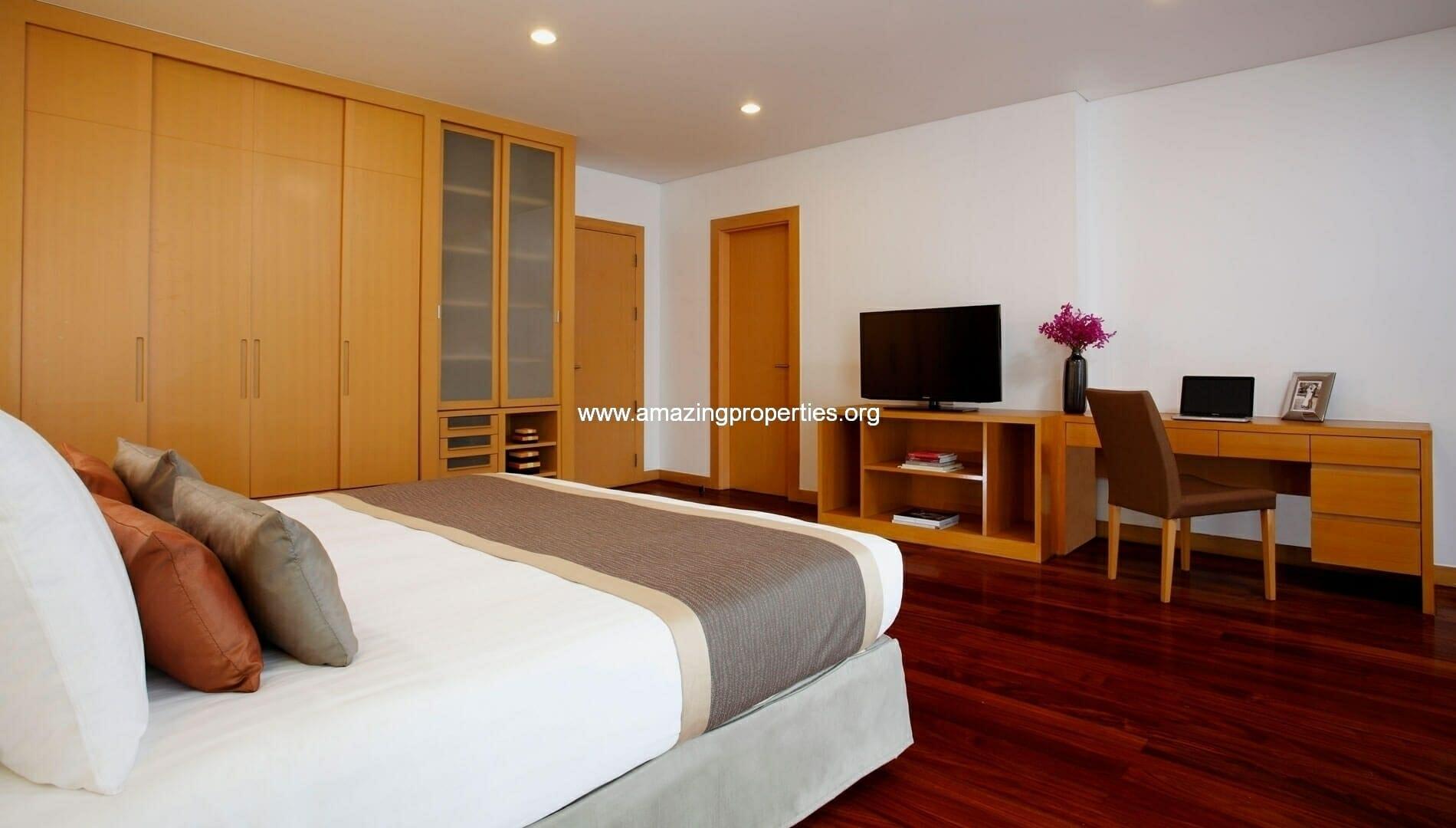 Ekkamai Gardens 3 bedroom bedroom1