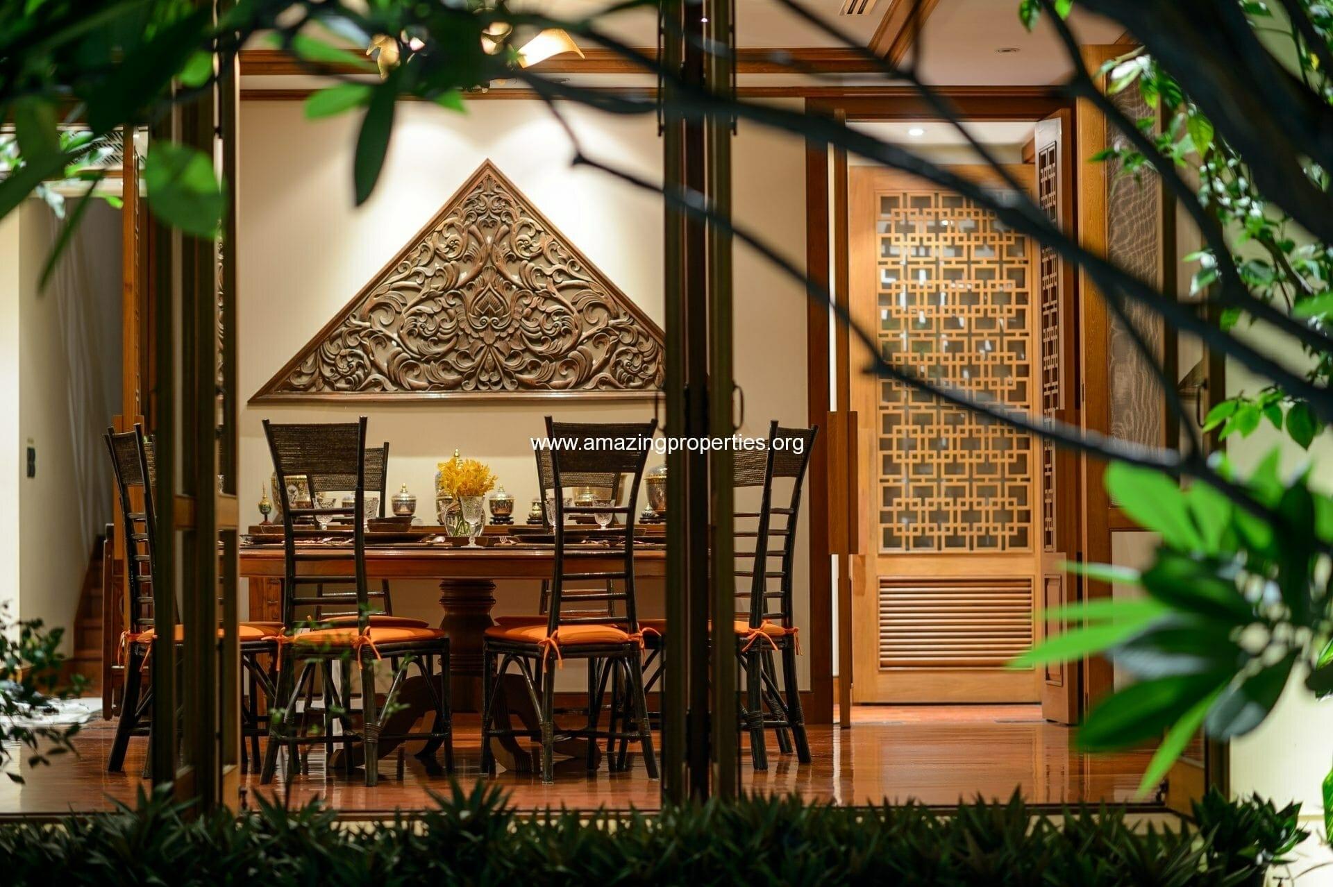 Dining-Room-Zoom-Night