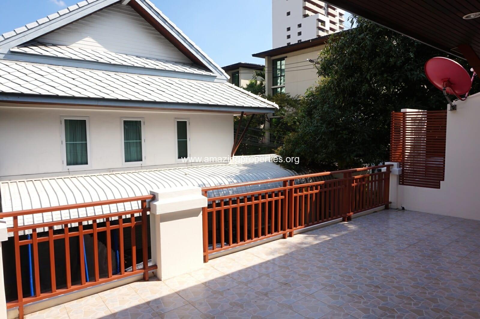 Ekkamai House-14