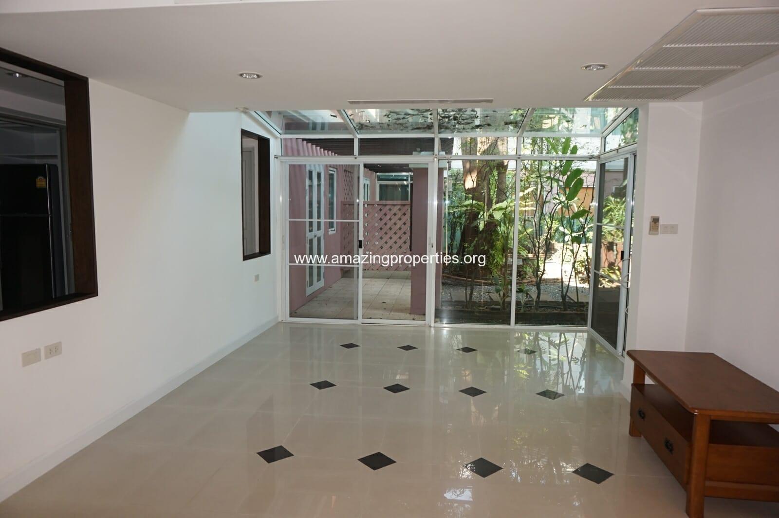 Ekkamai House-2