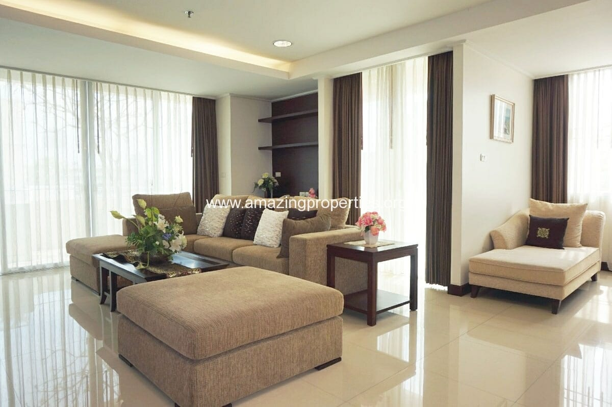 4 bedroom Penthouse Piyathip Place-1