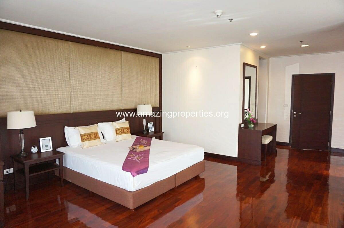 4 bedroom Penthouse Piyathip Place-12