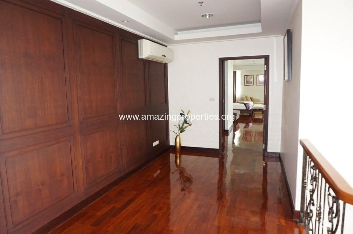 4 bedroom Penthouse Piyathip Place-9