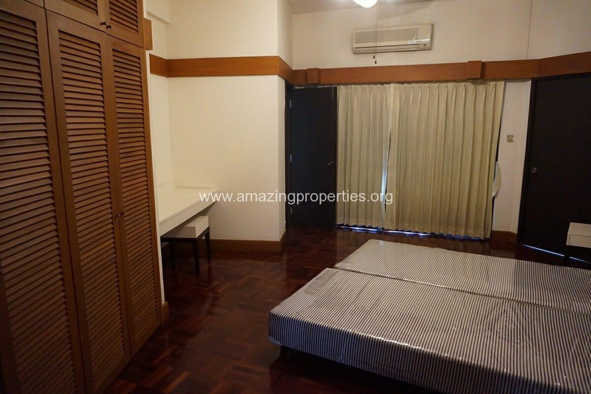 2 Bedroom Siri Apartment-10