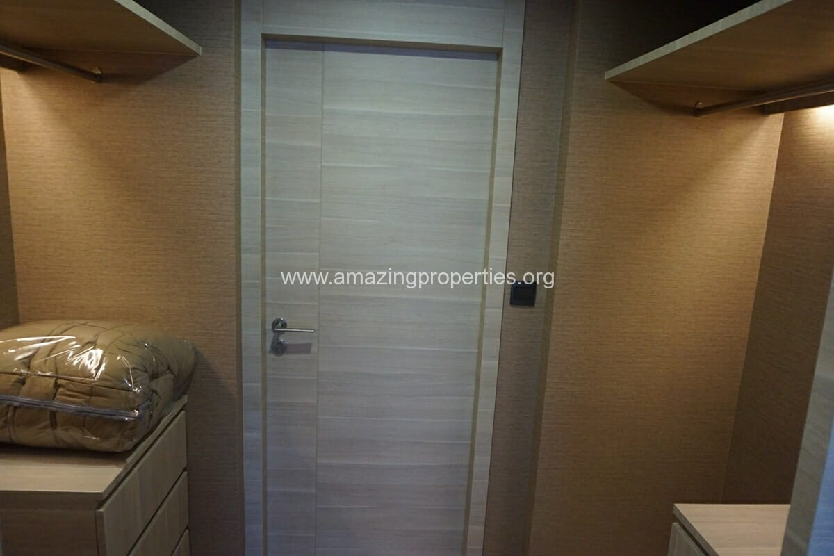 2 Bedroom Klass Condo Langsuan-17