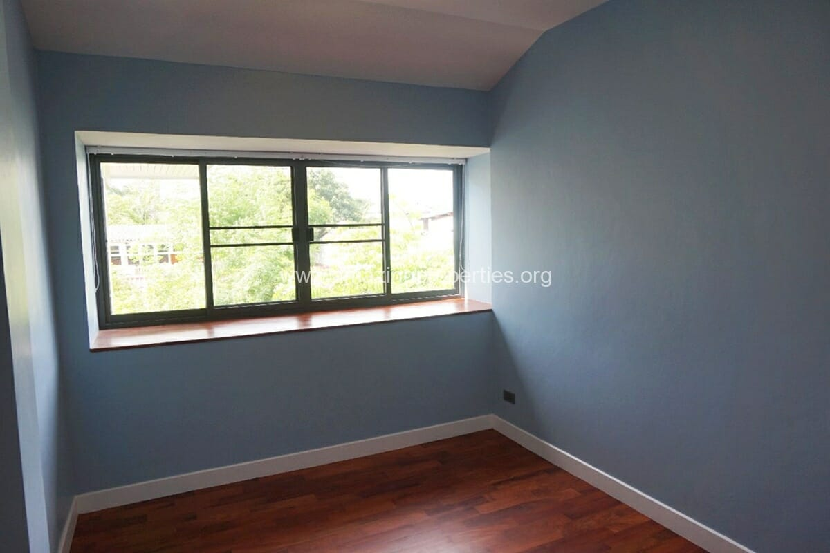 5 Bedroom House Phrom Phong-16