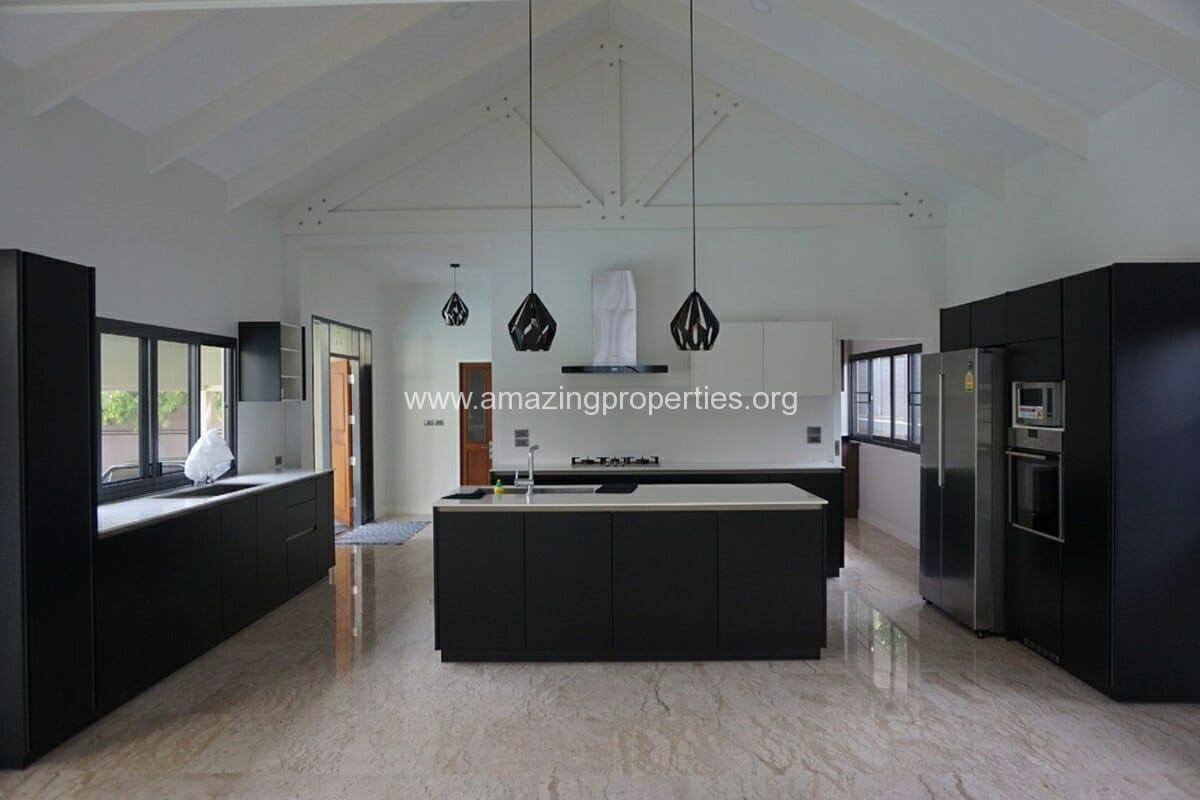 5 Bedroom House Phrom Phong-3