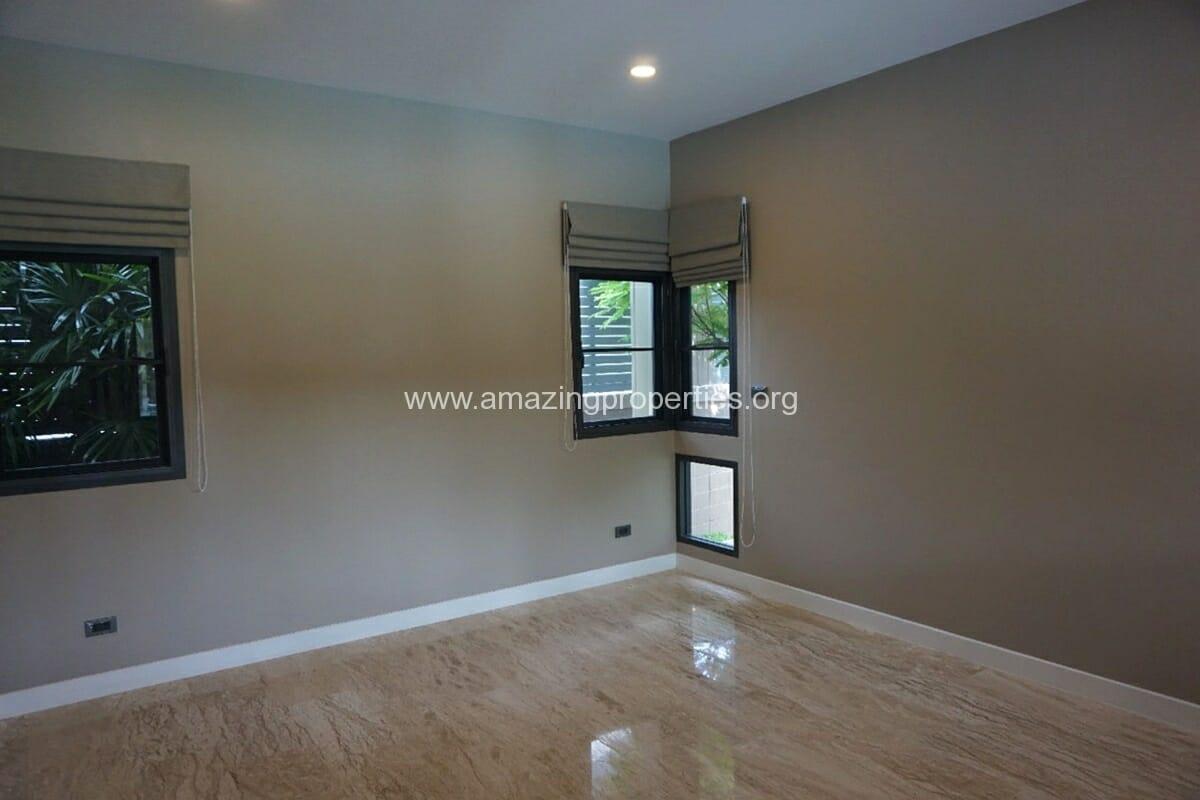 5 Bedroom House Phrom Phong-5