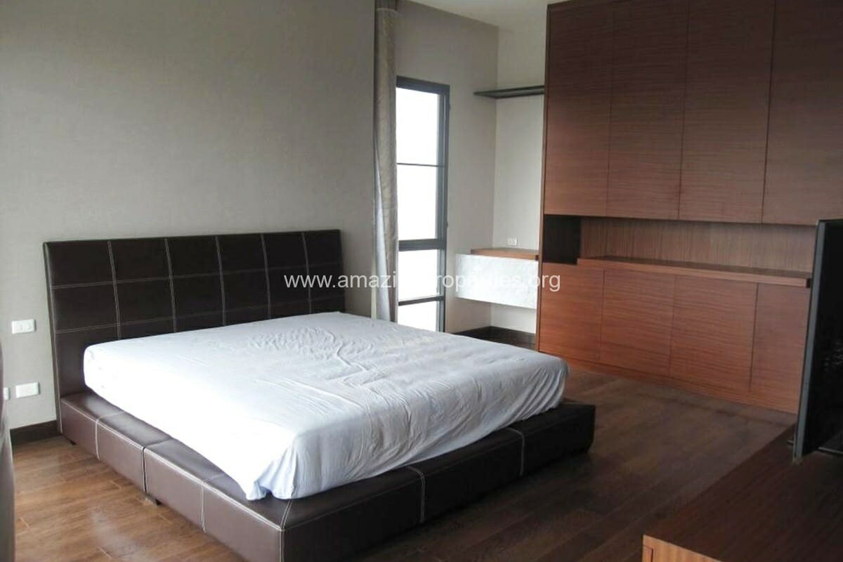 4+1 Bedroom House Ekkamai