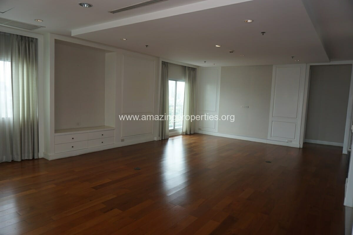5 Bedroom Penthouse Ploenchit-10