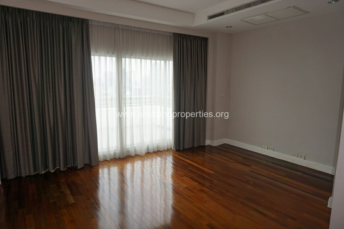 5 Bedroom Penthouse Ploenchit-20