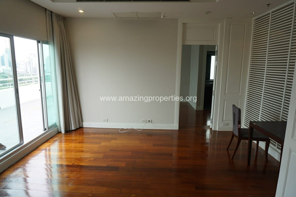 5 Bedroom Penthouse Ploenchit-23