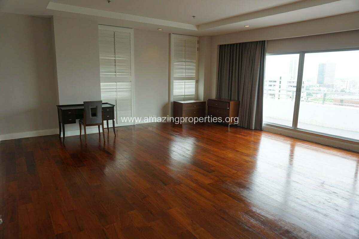 5 Bedroom Penthouse Ploenchit-25