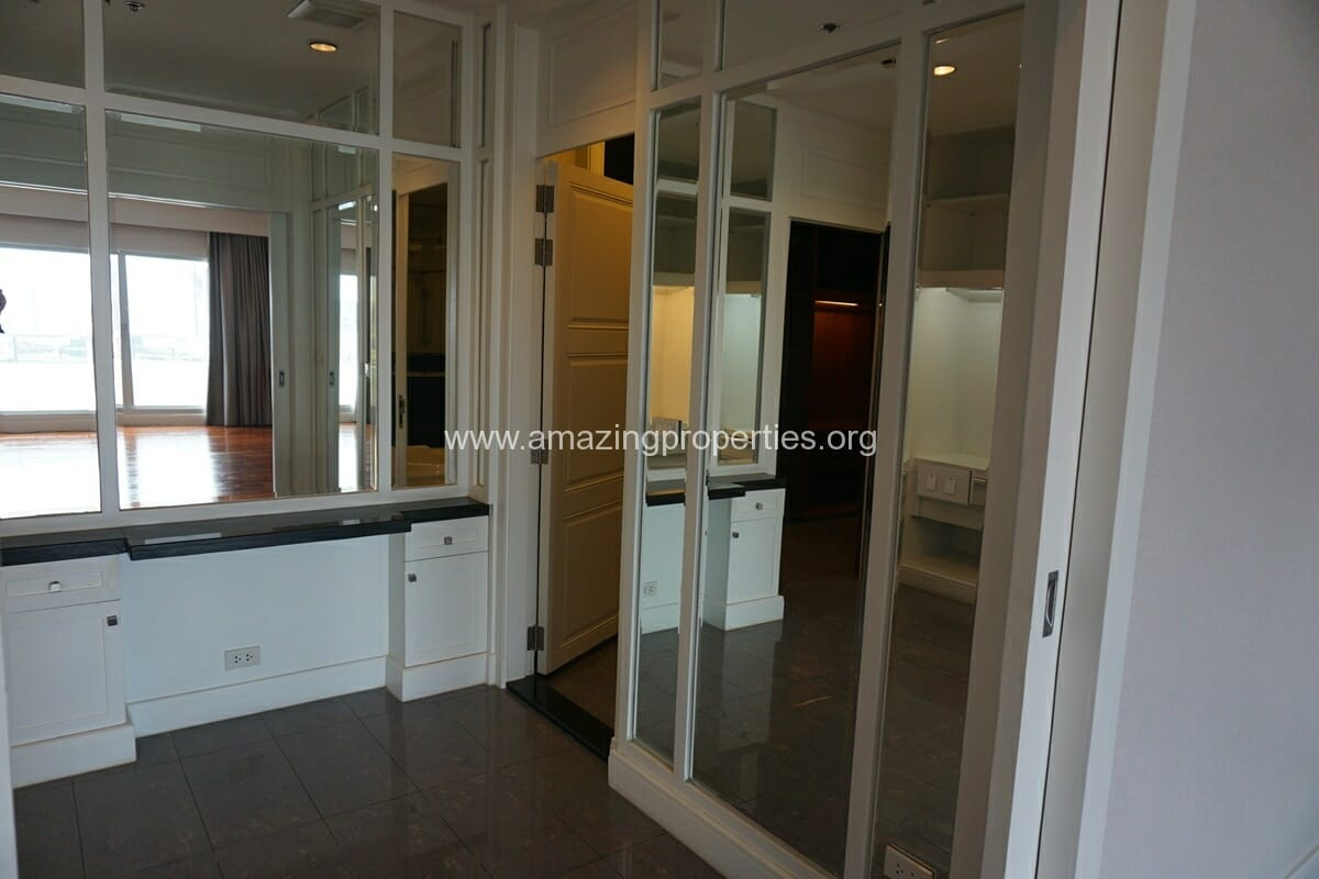 5 Bedroom Penthouse Ploenchit-29