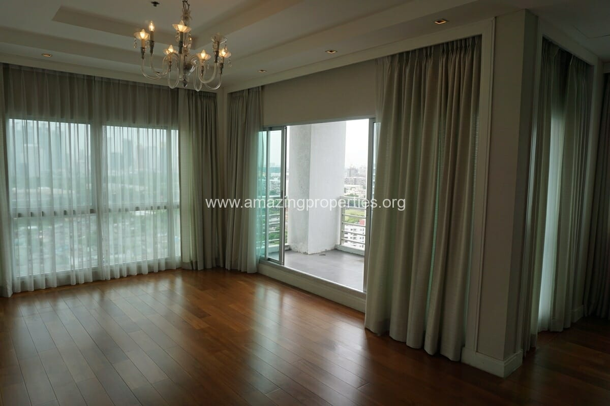5 Bedroom Penthouse Ploenchit-33
