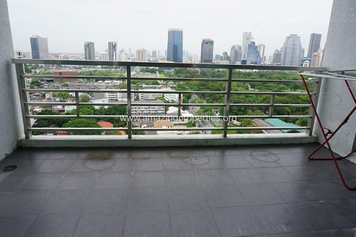 5 Bedroom Penthouse Ploenchit-5