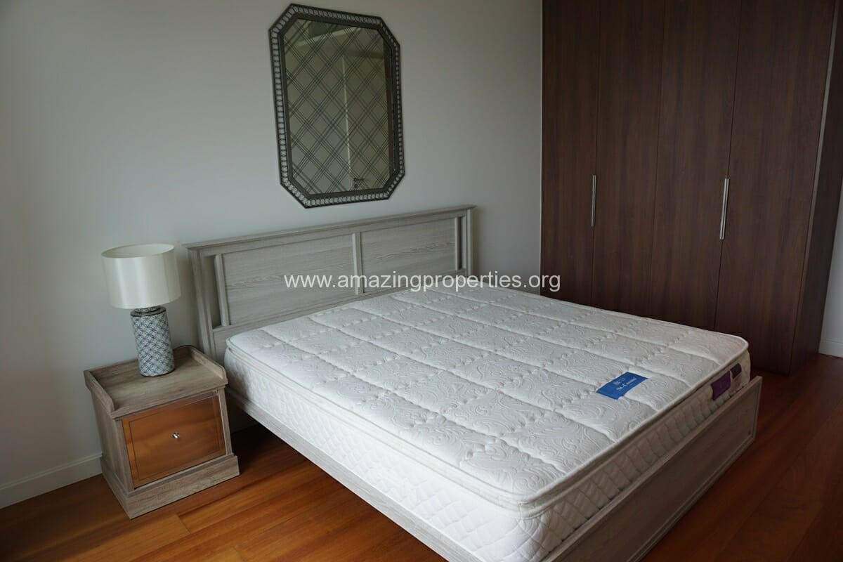 185 Rajdamri 2 bedroom condo for Rent (17)