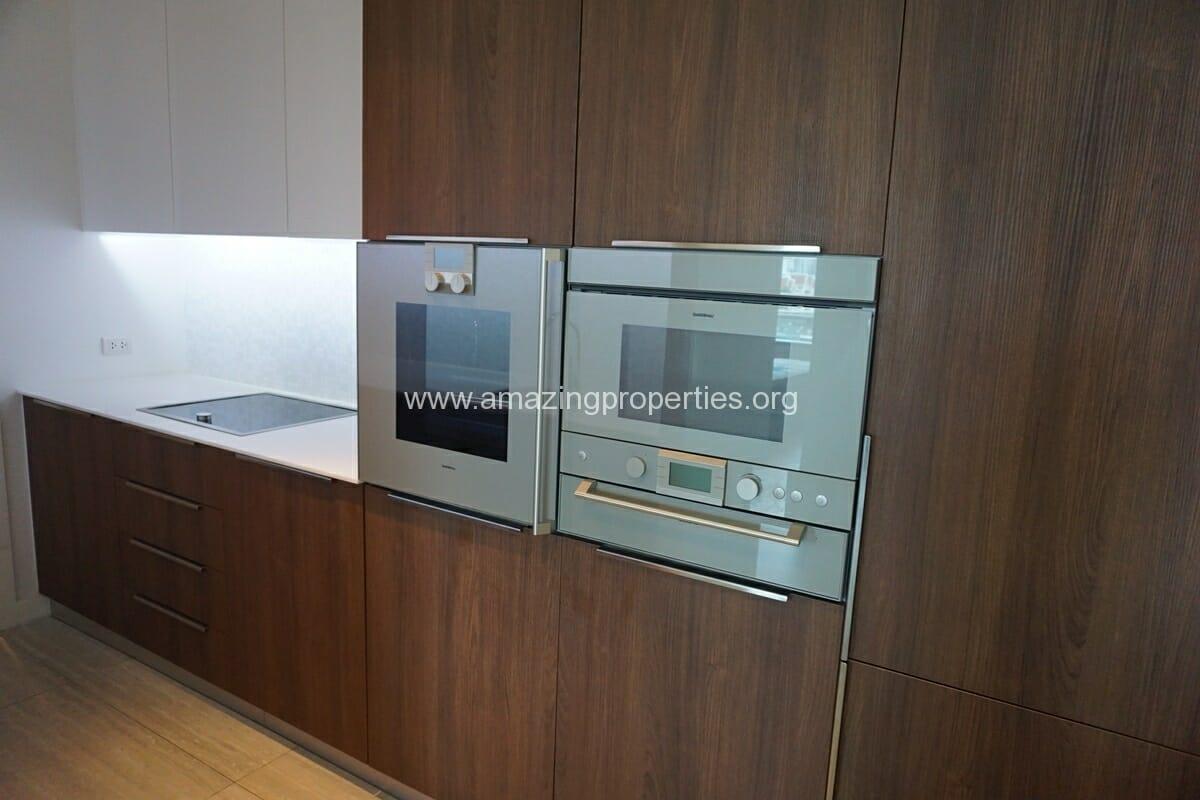 185 Rajdamri 2 bedroom condo for Rent (5)