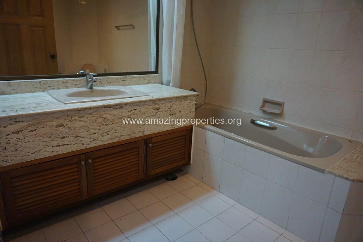 3 Bedroom Condo Ruamsuk Condominium-13