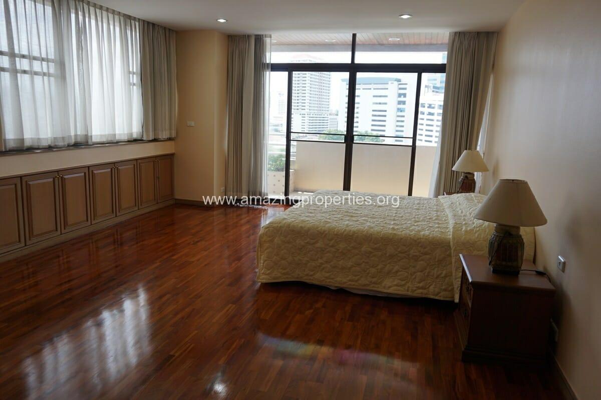 3 Bedroom Condo Ruamsuk Condominium-15