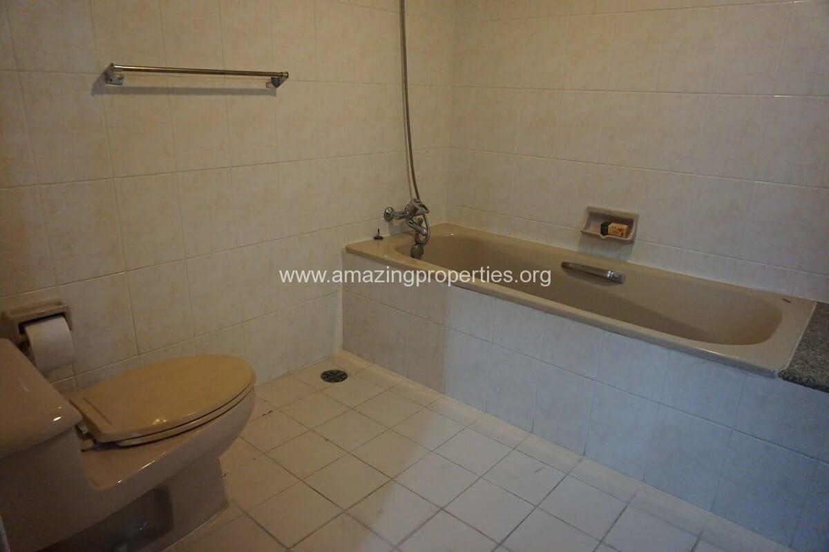 3 Bedroom Condo Ruamsuk Condominium-19