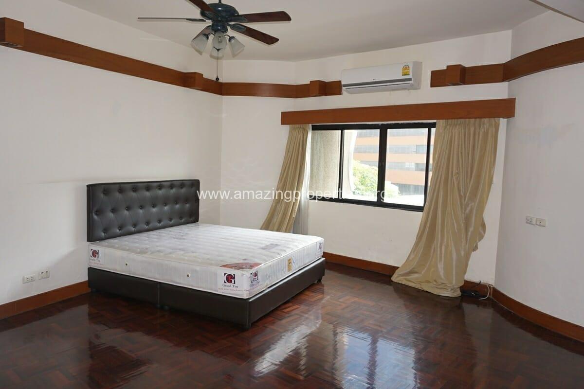 4 Bedroom Apartment Siri Apartment (4)