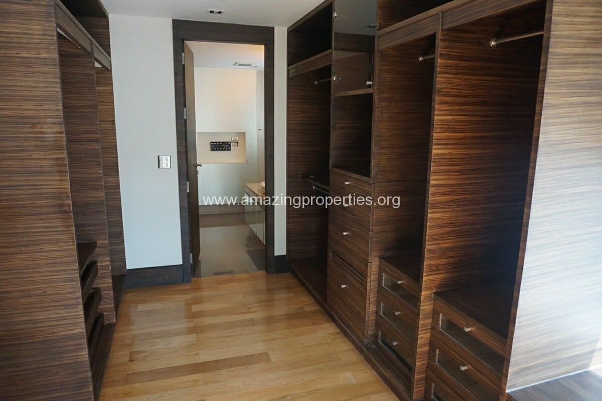 4 Bedroom Condo Ideal 24-16