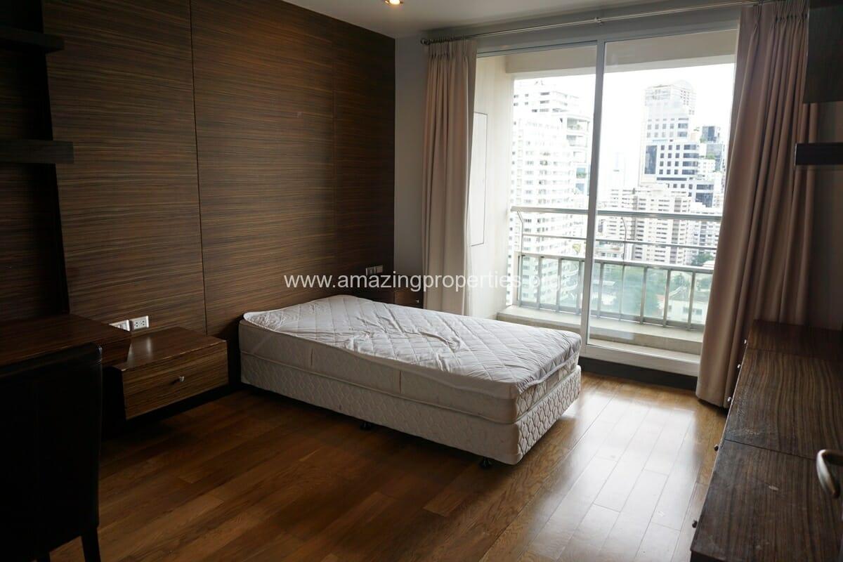 4 Bedroom Condo Ideal 24-32