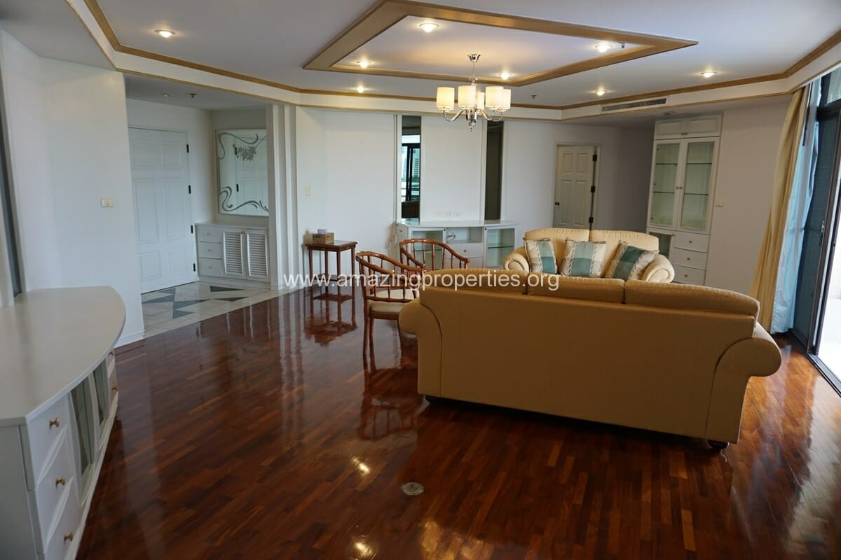 4 Bedroom Condo Ruamsuk Condominium-10