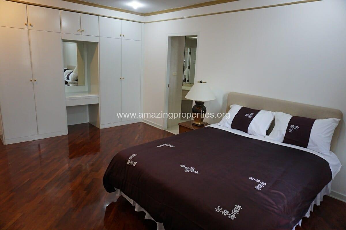 4 Bedroom Condo Ruamsuk Condominium-12