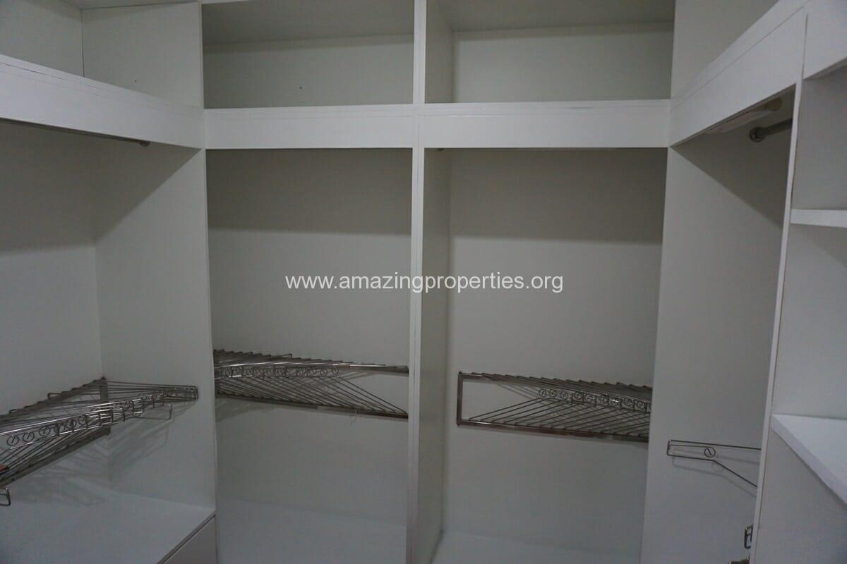 4 Bedroom Condo Ruamsuk Condominium-15